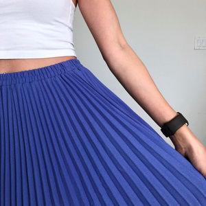 Leslie Fay Skirts - Vintage Leslie Fay Iris Color Pleated Midi Skirt
